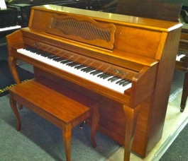 Pre ownned closeouts for Yamaha clavinova clp 200 price